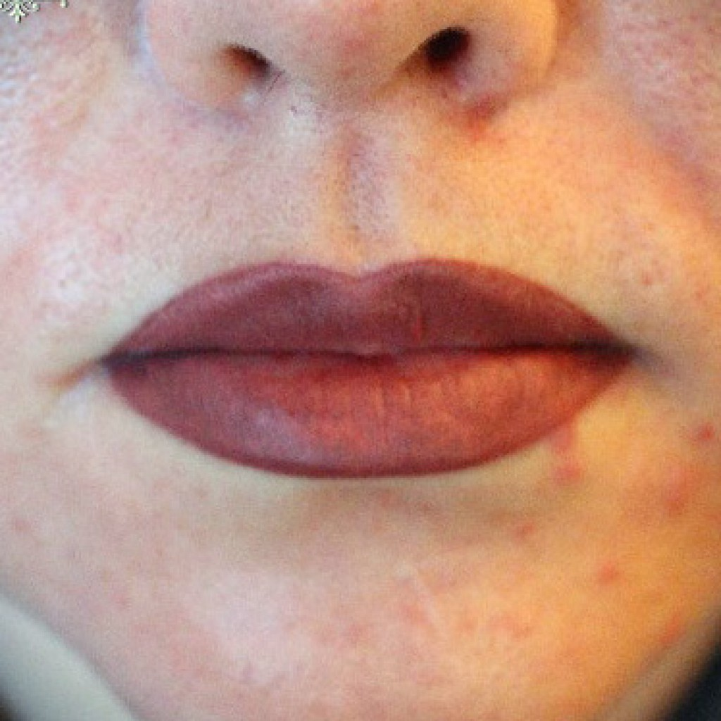 Контурный макияж губ фото